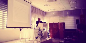 """Rektör Tarhan Fatih Sultan Mehmet Üniversitesi'nde """"Son ders"""" konferansı verdi."""
