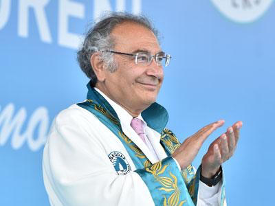 Prof. Dr. Tarhan, Rektör